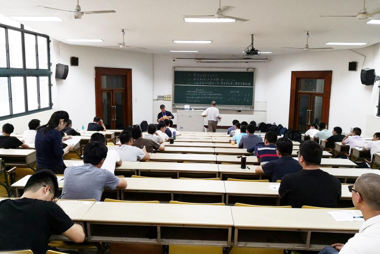 工业和信息化领域首期大数据类职业能力等级评价试点工作在杭州电子科技大学举行
